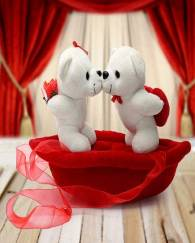 Romantic Teddies on Boat Valentine