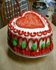 4 Pond Red Heart Designs Cake